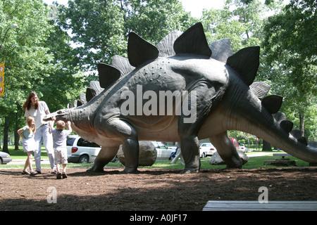 Cleveland Ohio University Circle Museum of Natural History dinosaur statue family - Stock Photo