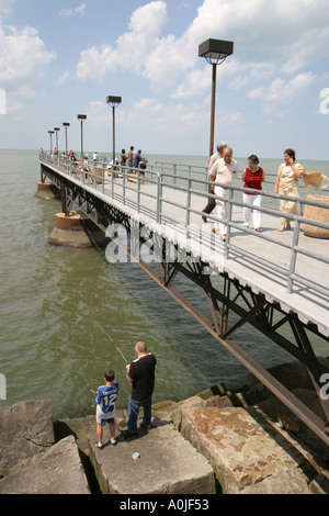 cleveland ohio lake erie edgewater park public beach women