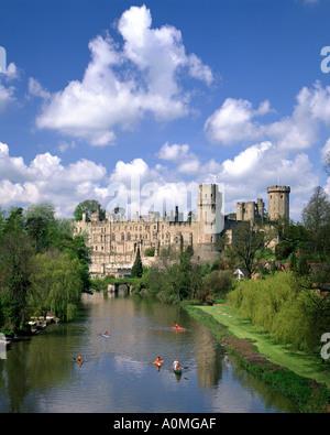 GB - WARWICKSHIRE: Warwick Castle and River Avon - Stock Photo