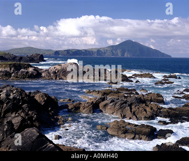 IE - CO. MAYO: View from Atlantic Drive on Achill Island with Clare Island in Background - Stock Photo
