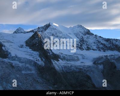 SWITZERLAND Alpine mountain scenery at dusk near Arolla, Switzerland on the Haute Route. Photo David Gale - Stock Photo