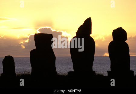 Rapa Nui statues of Ahu Tahai - Stock Photo