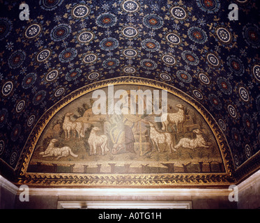 Mosaico del il Buon Pastore Mausoleo di Galla Placidia World Heritage - Stock Photo