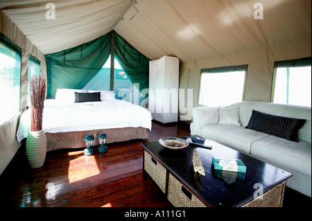 Luxury tent in Gunya Titjikala safari resort near Alice Springs Red Centre Central Australia - Stock Photo
