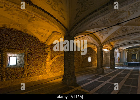 The Bone Chapel of Saint Francis Church, in Evora (Portugal). La Chapelle des ossements dans l'église Sao Francisco, - Stock Photo