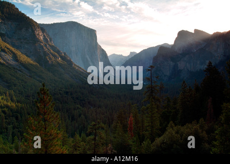 Classic view of yosemite valley as seen from valley view - Stock Photo