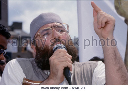 Sheikh Omar Bakri Muhammad Amir aka Tottenham Ayatollah of Al Muhajiroun at rally for Islam in Trafalgar Square - Stock Photo