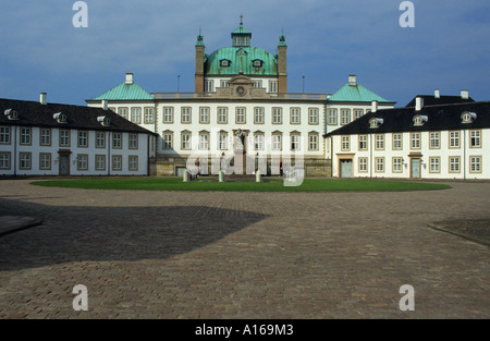 fredensborg castle denmark royal danish - Stock Photo