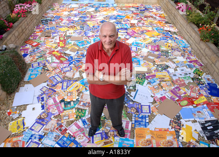 GERRY RANGER FROM CIRENCESTER GLOUCESTERSHIRE WHO SAVED UP ALL THE PACKAGING FROM ONE YEARS CONSUMPTION UK SEP 2006 - Stock Photo