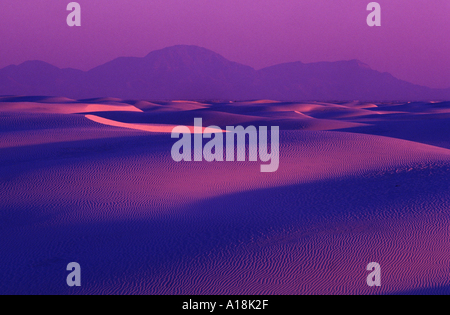 sand dunes, USA, New Mexico, White Sands National Monument, Apr.04. - Stock Photo