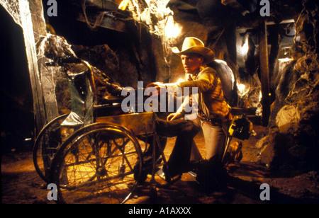 The Texas Chainsaw Massacre 2 Year 1986 Director Tobe Hooper Dennis Hopper - Stock Photo