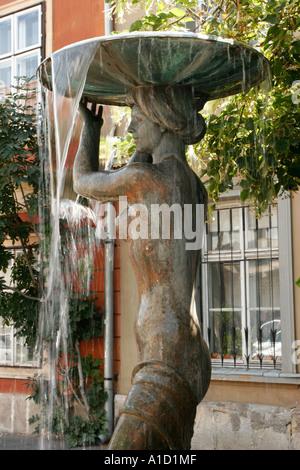 Fontana Con La Statua Della Donna Nuda Area Di Buda Castle