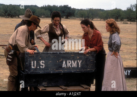 Bad Girls Year 1994 Director Jonathan Kaplan Andie McDowell Mary Stuart Masterson Madeleine Stowe Dermot Mulroney - Stock Photo