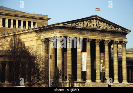 The museum of fine arts in Heroes Square Budapest - Stock Photo