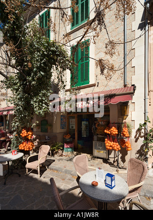 Cafe and shop in the town centre, Valldemossa, Mallorca, Balearic Islands, Spain - Stock Photo