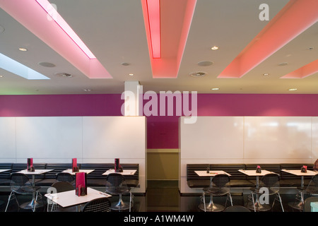 Second Floor Restaurant, Bar and Brasserie, Harvey Nichols, Manchester, 2003.  Brasserie dining tables. - Stock Photo