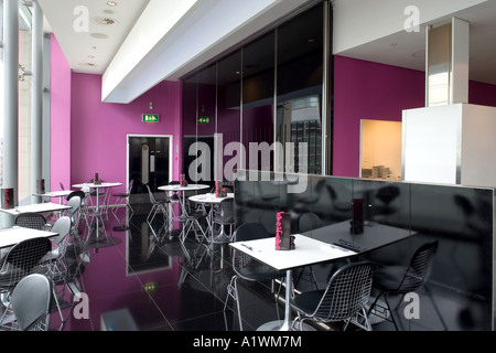 Second Floor Restaurant, Bar and Brasserie, Harvey Nichols, Manchester, 2003.  Dining area. - Stock Photo