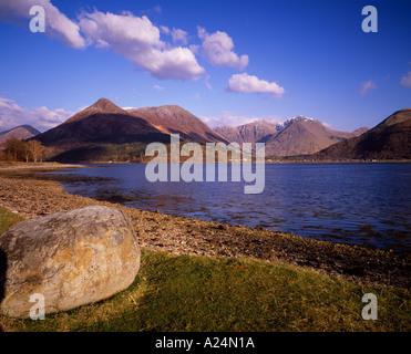 Scotland, Lochaber, Loch Leven. View to Bidean nam Bian behind Glen Coe. The Pap of Glencoe is on the left - Stock Photo