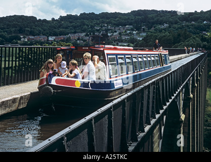 NARROW BOAT on Pontcysyllte aqueduct on Llangollen branch of the Shropshire Union Canal across the Dee Valley. Wales, - Stock Photo