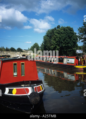 NARROW BOATS in TREVOR BASIN on the Llangollen branch of the 'Shropshire Union' Canal.  Trevor Wrexham North Wales - Stock Photo
