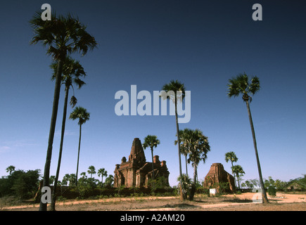 Myanmar Burma pagan Bagan the Kubyauk gyi and Kubyauk nge temples - Stock Photo