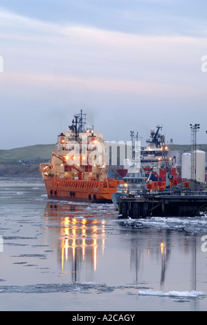 Ice Floes on the River Dee Aberdeen - Stock Photo