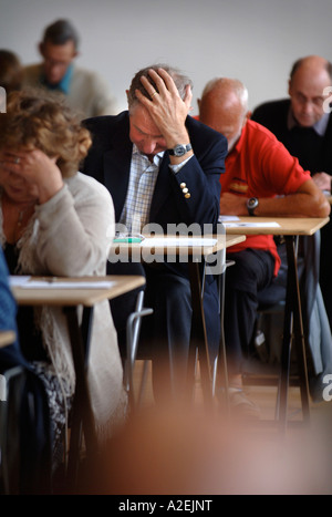 CONTESTANTS AT THE TIMES NATIONAL CROSSWORD COMPETITION CUP DURING THE CHAMPIONSHIPS IN CHELTENHAM UK 2006