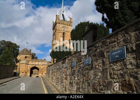 dh Linlithgow Palace outer gate LINLITHGOW LOTHIAN Monarchs wall plagues Palace entrance St Michaels Parish Church