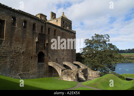 dh Linlithgow Palace LINLITHGOW LOTHIAN Stonewalled palace ground and Linlithgow Loch