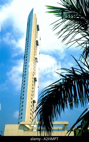 Skyscraper redefining Mumbais skyline Modern Architecture in