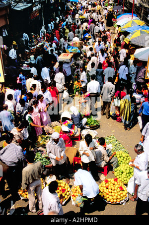 The unimaginable buzz on fruit market of Dadar West, Mumbai seething with crowds of buyers and sellers. India Asia - Stock Photo