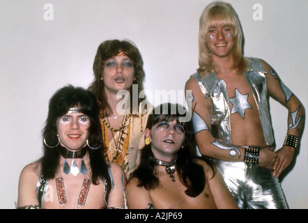 THE SWEET UK glam rock group about 1974. From left: Mick Tucker,Steve Priest, Andy Scott, Brian Connolly - Stock Photo