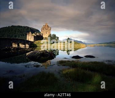 GB - SCOTLAND: Eilean Donan Castle and Loch Alsh - Stock Photo