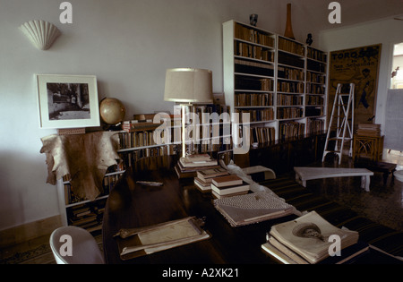 Ernest Hemingway's study in his home in Cuba - Stock Photo