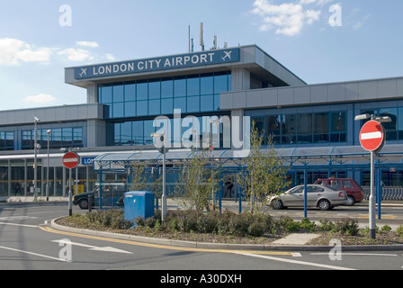 Silvertown London City Airport main entrance for passengers incorporates station exit from the extended Docklands - Stock Photo