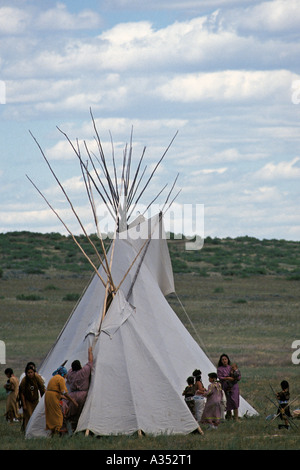 Indian women and teepee at the Little Bighorn Custer battle re enactment Crow Agency lands near Hardin Montana USA - Stock Photo