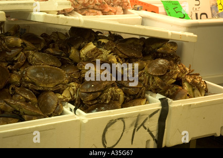 Crabs on sale at the Billingsgate Fish Market at Canary Wharf in London - Stock Photo