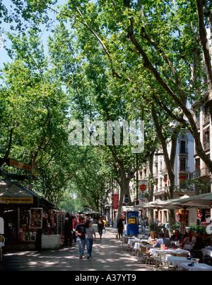 Restaurant and Kiosk on La Rambla (Las Ramblas), Barcelona, Catalunya, Spain - Stock Photo