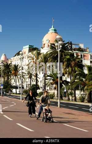 France Nice Promenade des Anglais Hotel Negresco scater - Stock Photo
