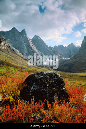Gates of the Arctic National Park, Alaska, USA, Brooks Range, Wilderness, Arrigetch Peaks and Fire Rock in the fall, - Stock Photo