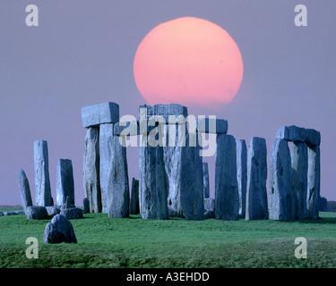 GB - WILTSHIRE: Prehistoric Stonehenge - Stock Photo
