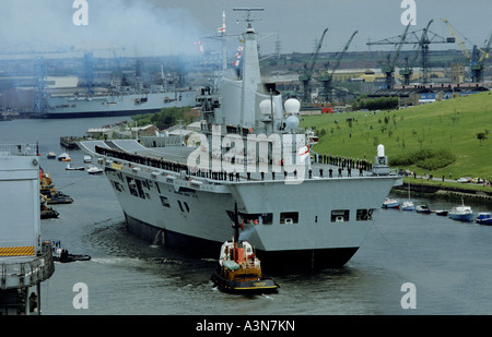 HMS ILLUSTRIOUS AT LAUNCH SWAN HUNTERS  SHIP YARD WALLSEND NEWCASTLE 1982 - Stock Photo