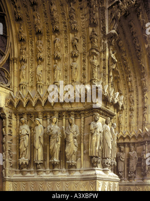 geography/travel, France, Reims, churches and convents, Notre-Dame cathedral, exterior view, western facade with - Stock Photo
