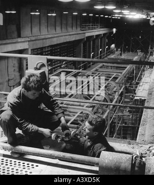 geography/travel, Germany, GDR, industry, building the paper mill at Schwedt, Frankfurt an der Oder district, 28.4.1961, - Stock Photo