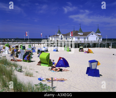 geography / travel, Germany, Mecklenburg-Western Pomerania, Usedom, Ahlbeck, beach, roofed wicker beach chairs, - Stock Photo