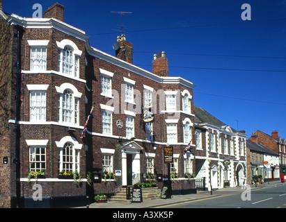 The Swan Inn, Tarporley High Street, Tarporley, Cheshire, England, UK - Stock Photo