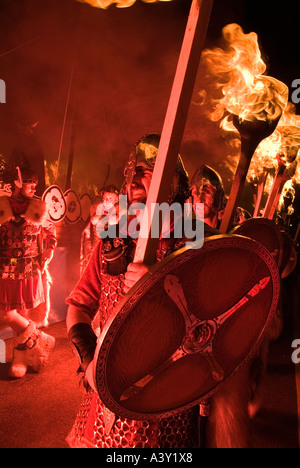 dh Up Helly Aa fire procession LERWICK SHETLAND Vikings escorting Viking torch parade festival shetlands jarl squad - Stock Photo