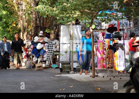 """the body shop market share indonesia The best social marketing indonesia's best corporate social initiative 2017 memanfaatkan ramadhan 2016 lalu the body shop indonesia meluncurkan program """"sedekah pohon"""" dengan objektif memperkuat salah satu komitmen the body shop dalam memperkaya planet, termasuk untuk merespon."""