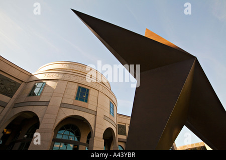 TEXAS Austin Exterior of Bob Bullock Texas State History Museum angled view of large Lone Star sculpture in front - Stock Photo
