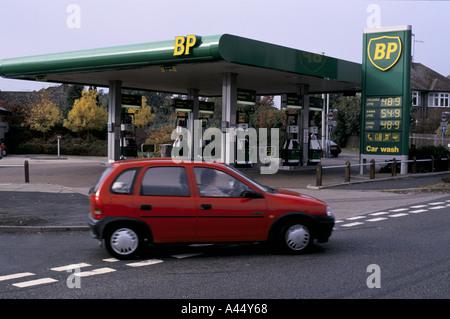 bp petrol station luton 1994 1994 - Stock Photo